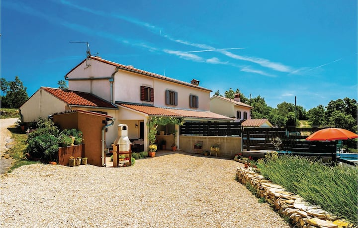 Awesome home in Bartici with WiFi and 1 Bedrooms