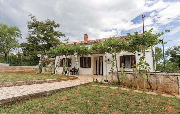 Amazing home in Krnica with WiFi and 2 Bedrooms