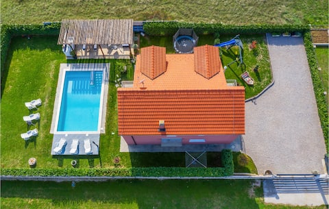 Stunning home in Trilj with WiFi and 4 Bedrooms