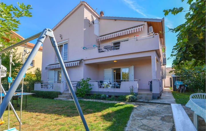 Awesome home in Zadar with WiFi and 1 Bedrooms