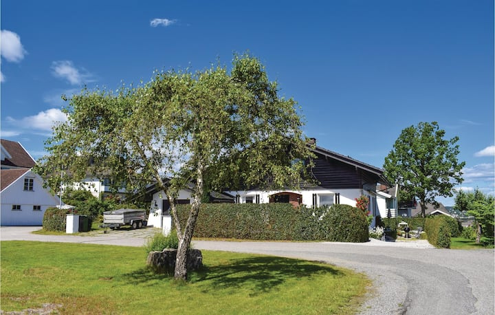 Nice home in Stathelle with Sauna, WiFi and 2 Bedrooms