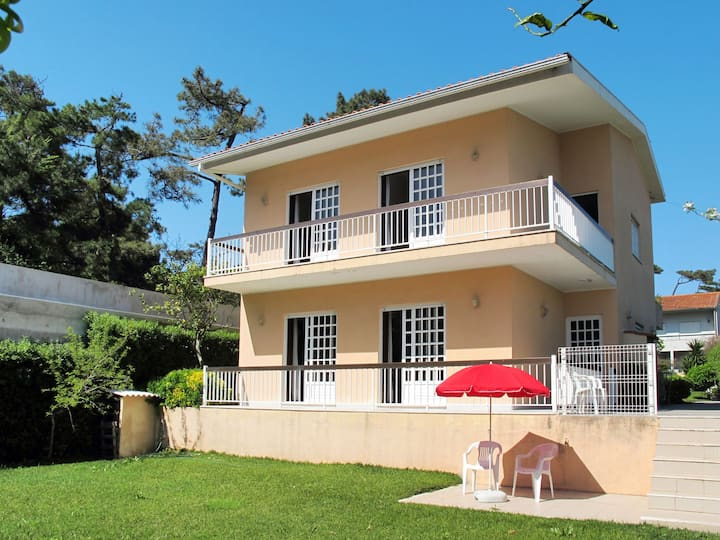 Spacious holiday home in Fao (Esposende)