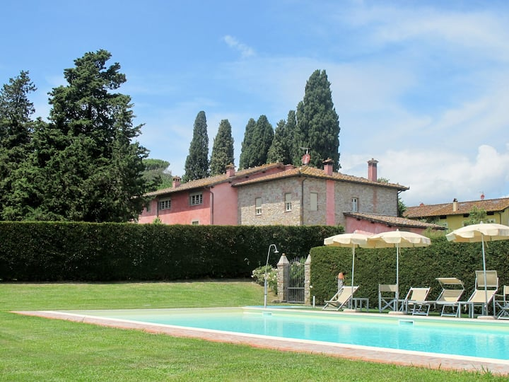 Holiday apartment Casale Le Fornaci for 6 persons