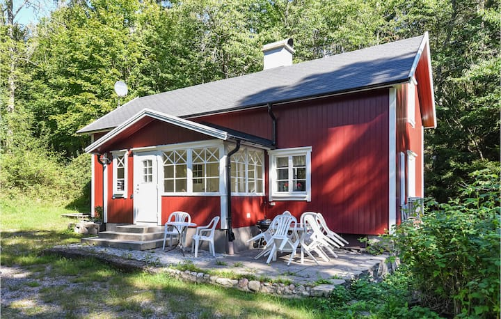 Awesome home in Mellerud with 2 Bedrooms and WiFi