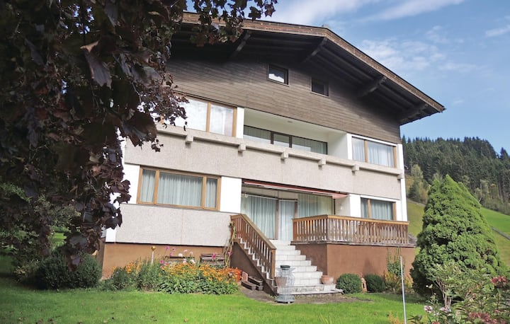 Nice home in Wagrain with 2 Bedrooms