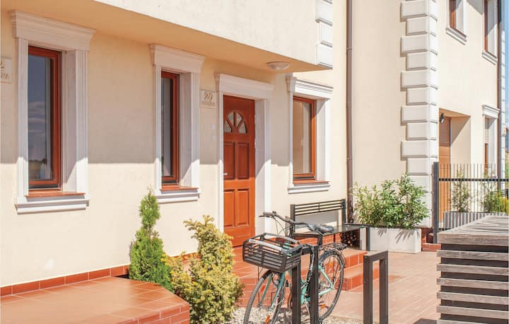 Stunning home in Mielno with WiFi and 5 Bedrooms