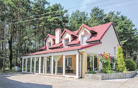 Amazing home in Solec Wlkp. with WiFi and 6 Bedrooms