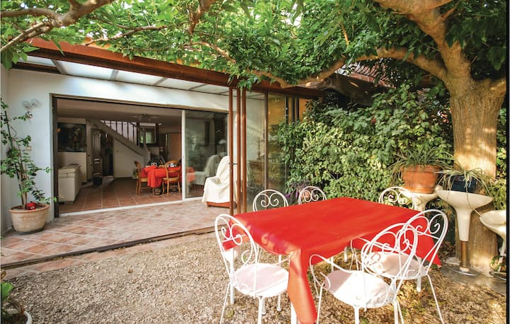 Stunning home in La Cadière D'Azur with WiFi and 3 Bedrooms
