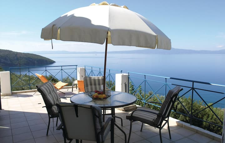 Amazing home in Kitries Kalamata with WiFi and 2 Bedrooms