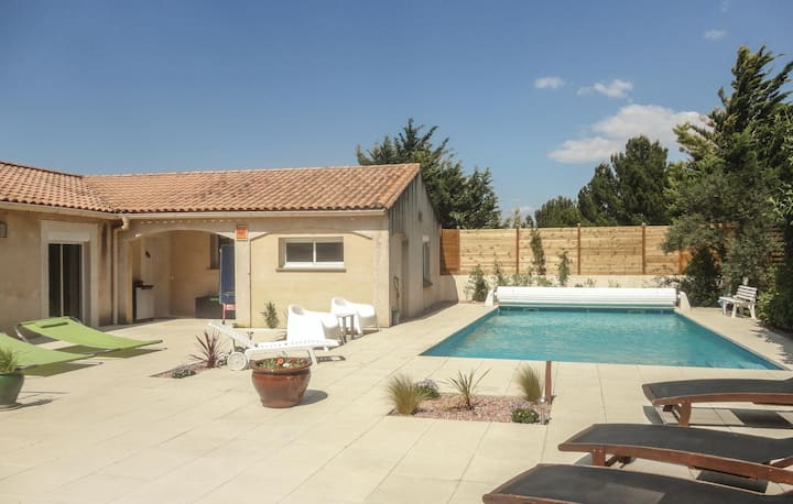 Nice home in Nebian with WiFi, Outdoor swimming pool and 2 Bedrooms
