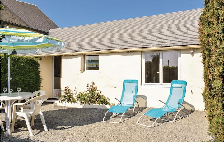 Stunning home in La Cambe with WiFi and 1 Bedrooms