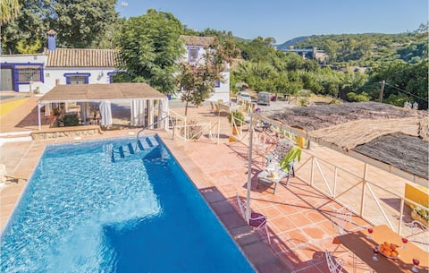 Stunning home in Hornachuelos (Córdoba) with 3 Bedrooms