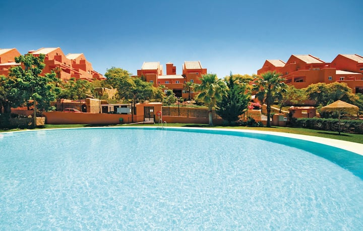 Awesome home in Elviria with 2 Bedrooms