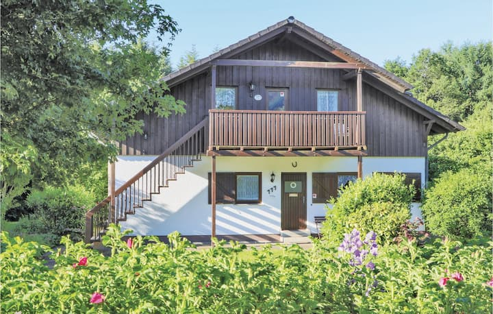 Nice home in Thalfang with WiFi and 2 Bedrooms