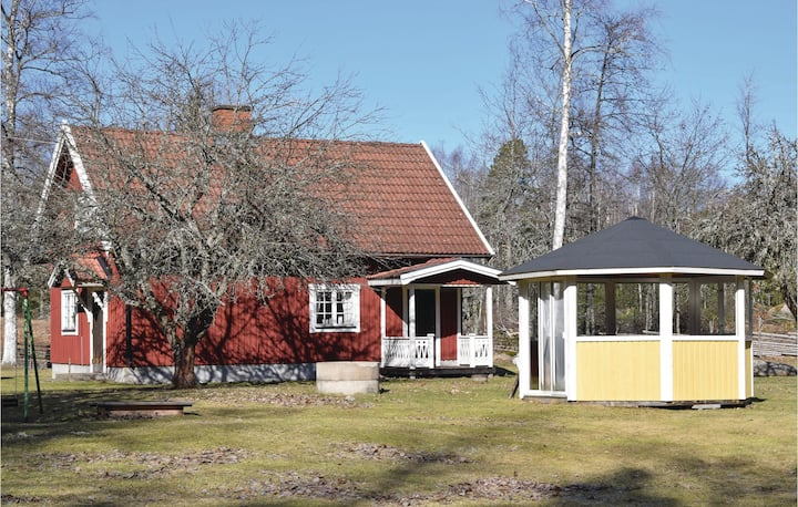 Awesome home in Högsby with Sauna and 1 Bedrooms