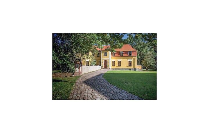 Awesome home in Wolin with WiFi and 5 Bedrooms
