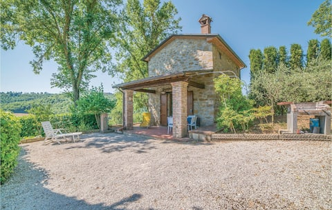 Stunning home in Monterchi AR with 1 Bedrooms
