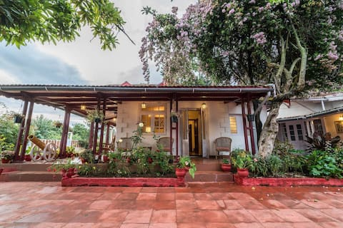 HOSPITALITYEXPERT Colonial 4BR Home, Coonoor - Grill, bål och privat kock