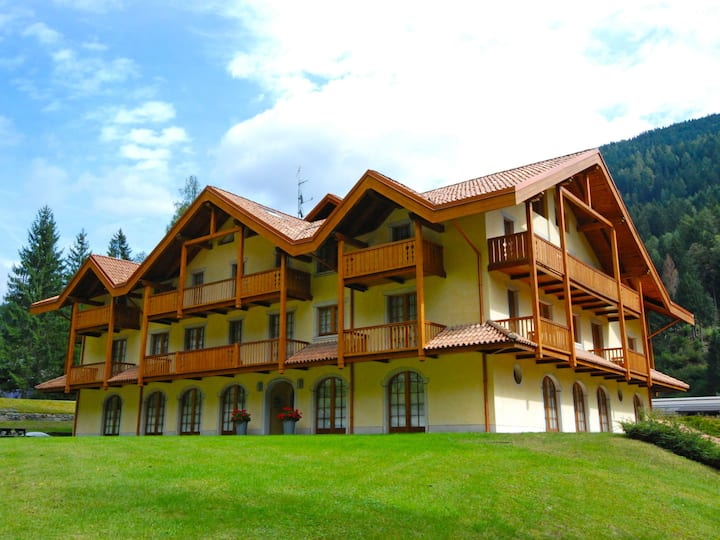 Holidays Dolomiti for 4 persons.