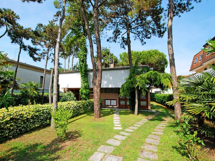 Villa Giove for 6 persons.