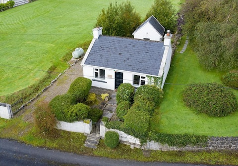 The Cottage Cosy 1BR Traditional Irish Cottage