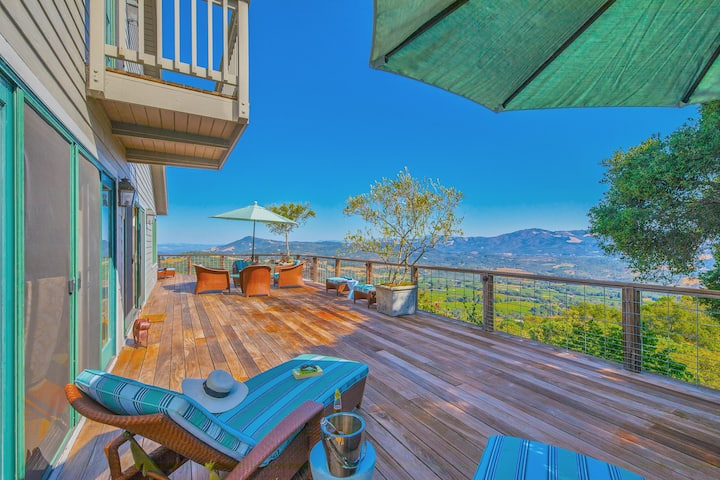 The Country House - 3 Bed, 3 Bath with Pool and Hot Tub. Spectacular Views!