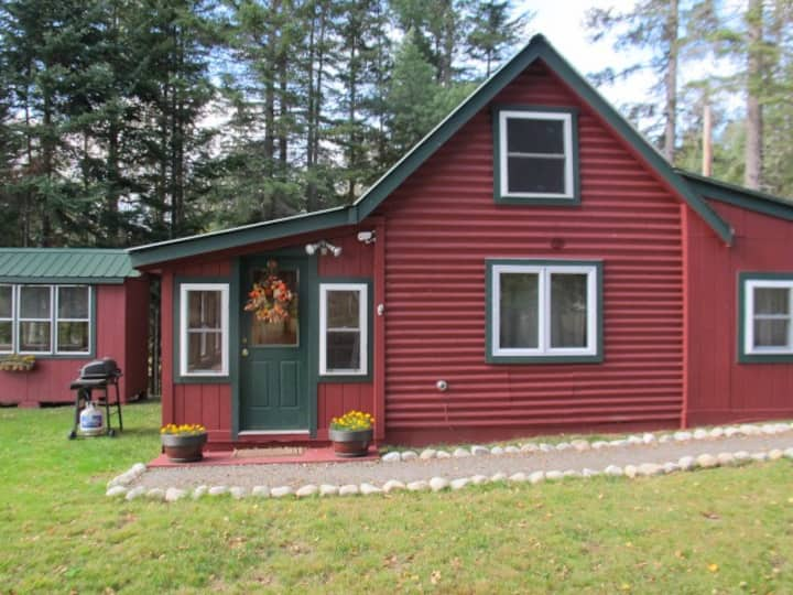 Adventure Awaits - Cute cottage on Rangeley Lake