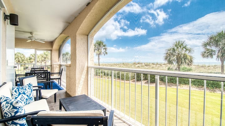 Oceanfront Villa with Spectacular Views  Dillard