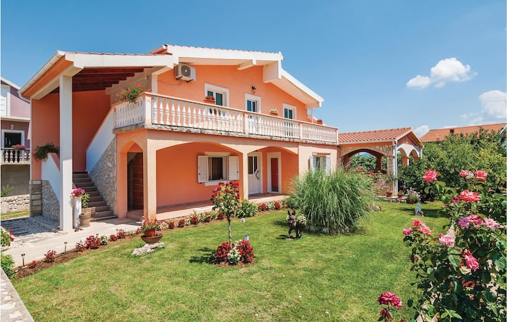 Beautiful home in Podgradina with WiFi and 1 Bedrooms