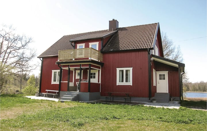 Awesome home in Vimmerby with Sauna and 5 Bedrooms