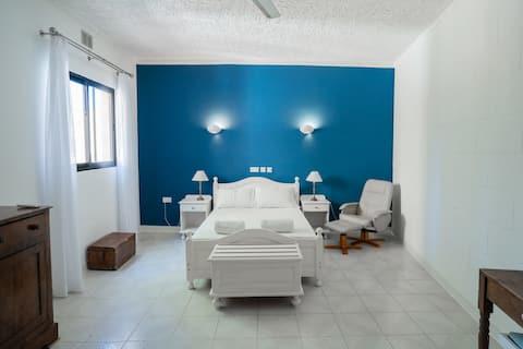 Villa Aya - 2 bedrooms & 2 bathrooms with pool