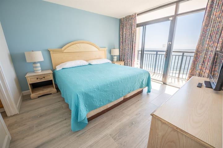 ❤️Oceanfront King Suite, Heated Pools, NEWLY REMODELED