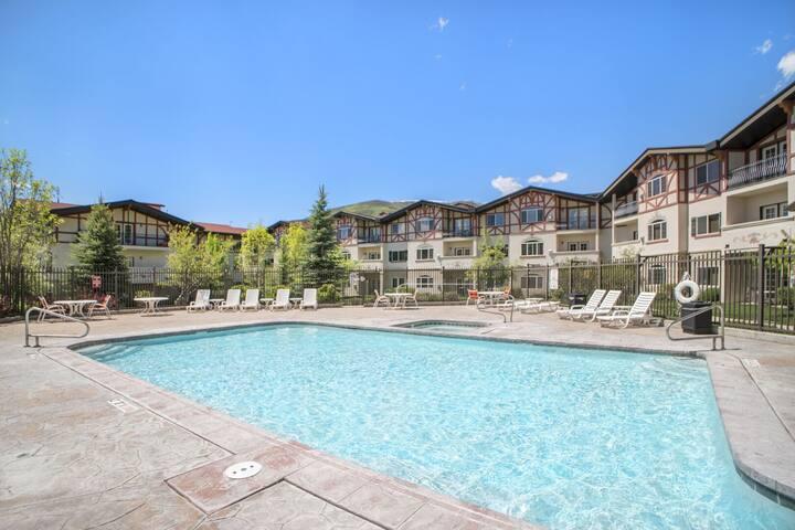 Zermatt Villa 1049 - 1 Bedroom 1 Bath Full Kitchen with Resort Amenities