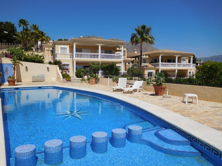 Residencial Amanecer for 6 persons.