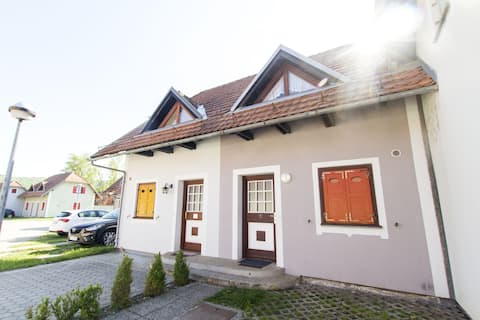 Holiday Home Rose - Two-bedroom Apartment (No. 150)