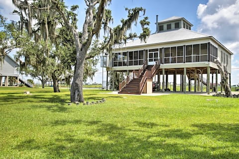 Slidell Home w/ Fishing Pier & Outdoor Living, BBQ
