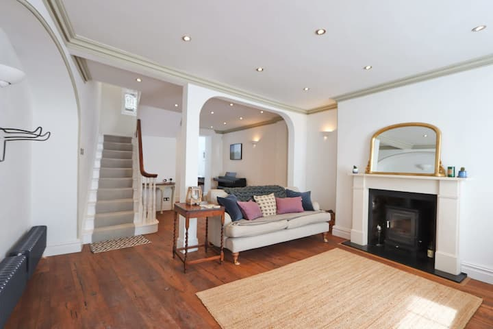 Gorgeous 2 Bedroom Town House In Clifton, Bristol