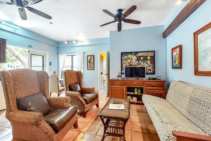 Tranquil ocean view escape w/ shared pool, easy beach access, Central AC & WiFi!