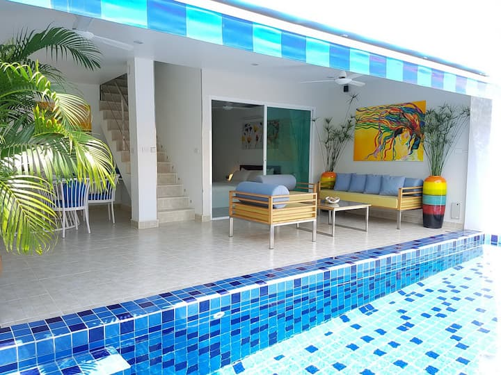 Cosy 3 Bedroom Duplex w/ Private Pool Near Beach!