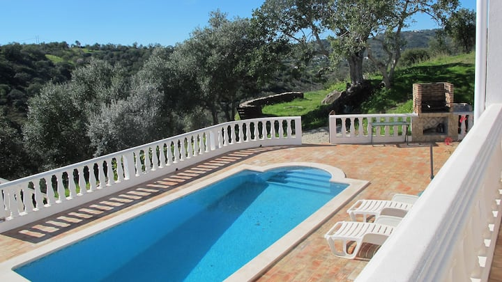 Casa da Tranquilidade with private pool, tranquil; wifi, dog friendlyi