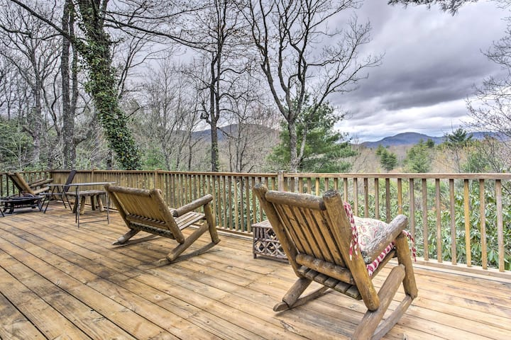 2.5-Acre Lake Toxaway Mountain Cabin w/ Fire Pit!
