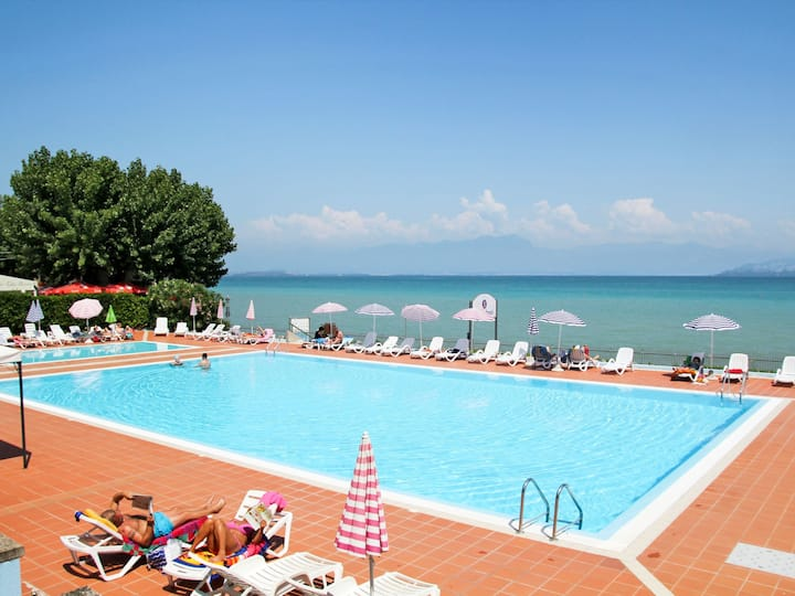 Camping Wien (PSC301) for 4 persons.