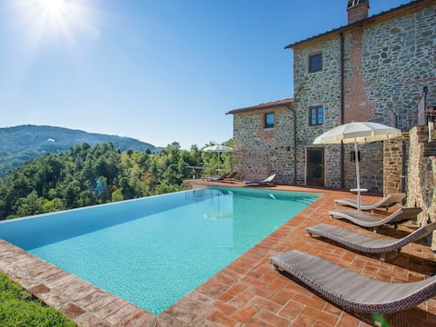 Spacious and well equipped holiday house with pool, whirlpool and infrared sauna, beautiful panoramic views