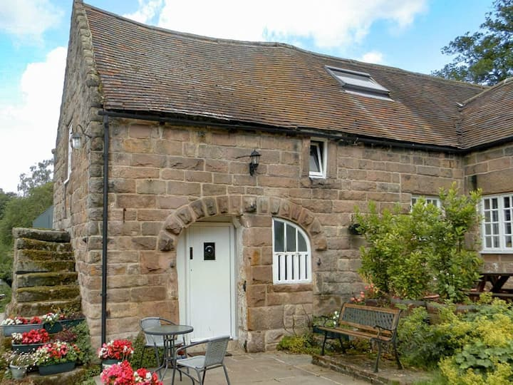 Shire Cottage (UK10035)