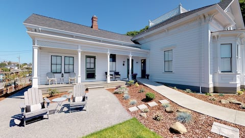 Chapman Cottage~Super comfortable, affordable and 5 star accommodations!