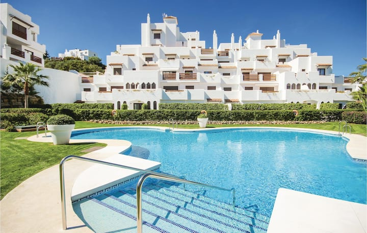 Nice home in Estepona with WiFi, 2 Bedrooms and Outdoor swimming pool