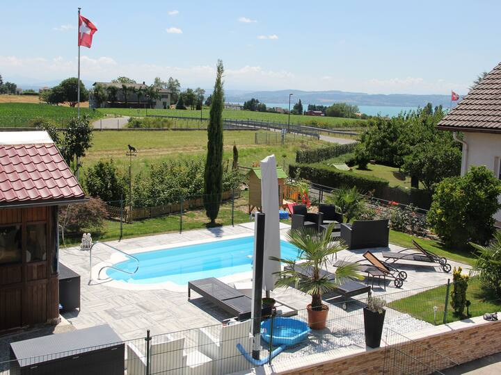 3pc apartment with independent entrance, swimming pool, jacuzzi and garden.