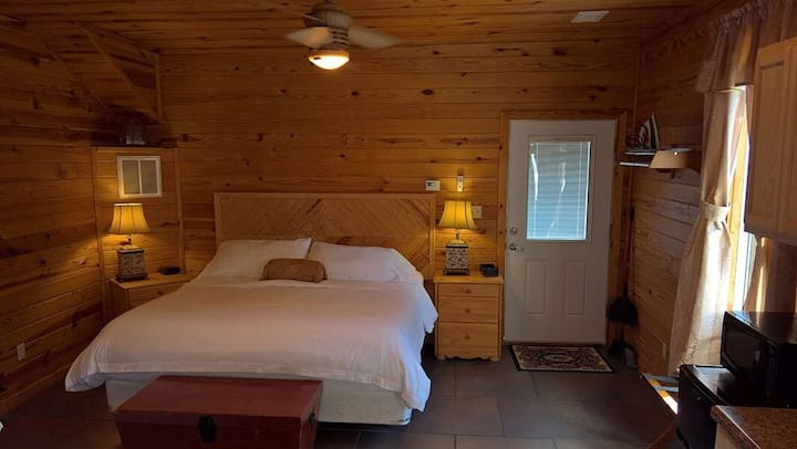Sugar Suite #2, King Bed, jetted tub, separate bathroom with walk-in shower, double vanity