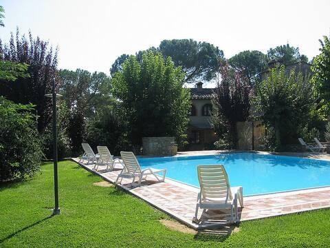 Villa Saveria B in Colle di Val d'Elsa