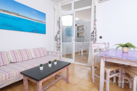 APARTMENT WITH TERRACE AND SEA VIEW